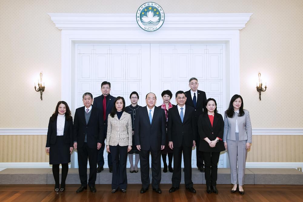 Universidade de Jinan | Ho Iat Seng reúne com secretário do Partido Comunista