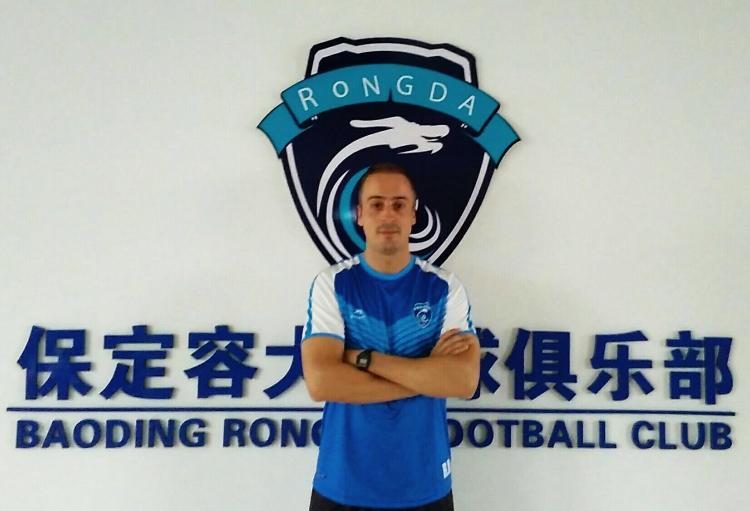 """Rui Mota, treinador de futebol na China: """"Consegui mais do que aquilo em que acreditava"""""""