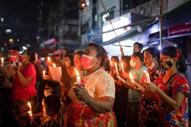 """ONG diz que mais de mil pessoas foram """"assassinadas"""" no Myanmar pelos militares desde Fevereiro"""