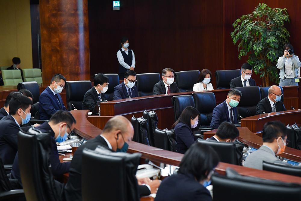TNR | Governo recusa alterar lei para permitir contratação de estrangeiros