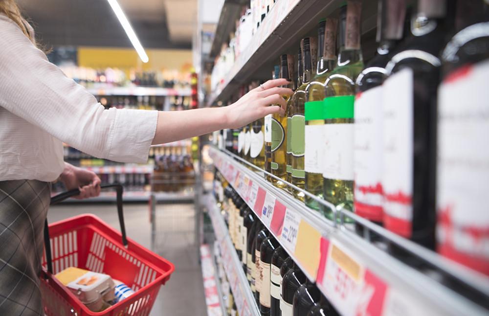 Álcool | Consulta pública dá luz verde a proibição de venda a menores de 18 anos
