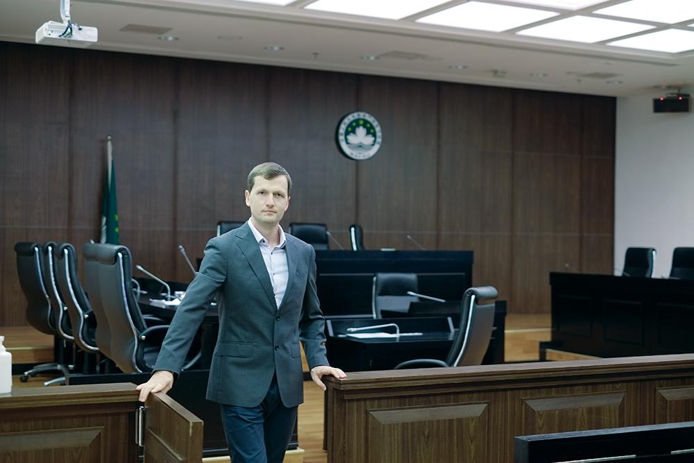"""Alexandr Svetlicinii, professor de Direito da Universidade de Macau: """"Empresas estatais não são apenas actores económicos"""""""