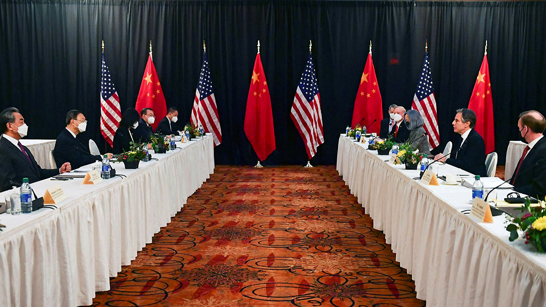 Encontro EUA-China | Das acusações mútuas ao (im)possível consenso