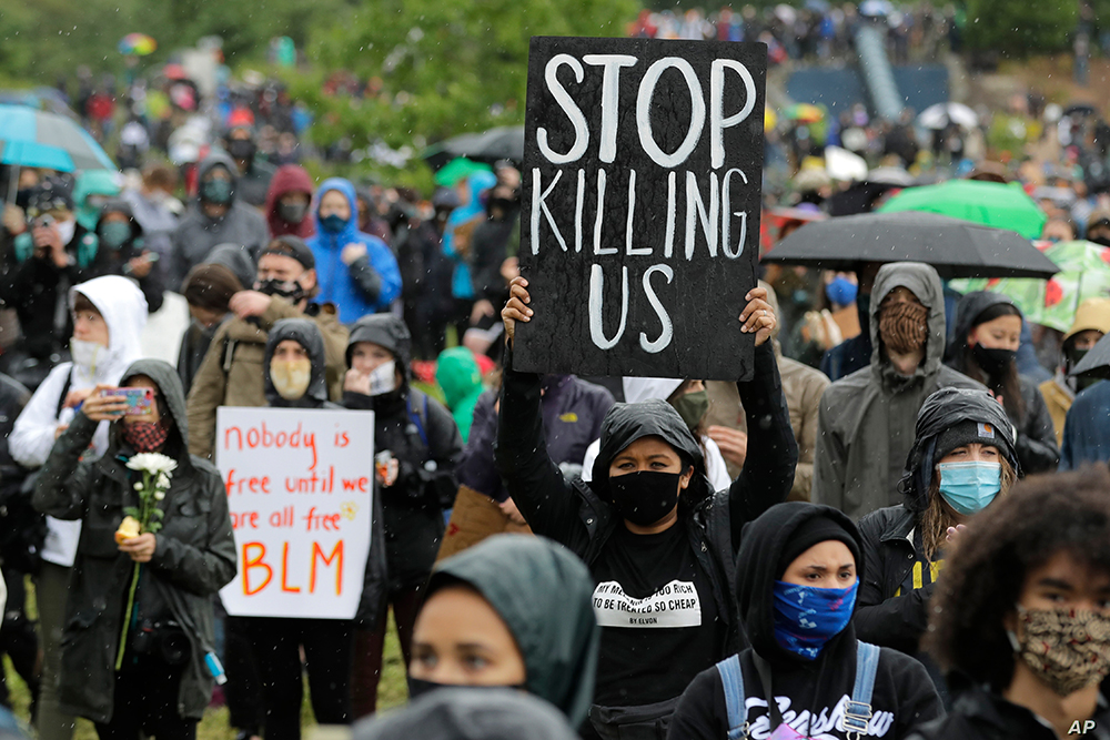 Direitos humanos | Pequim vai publicar relatório que visa Estados Unidos