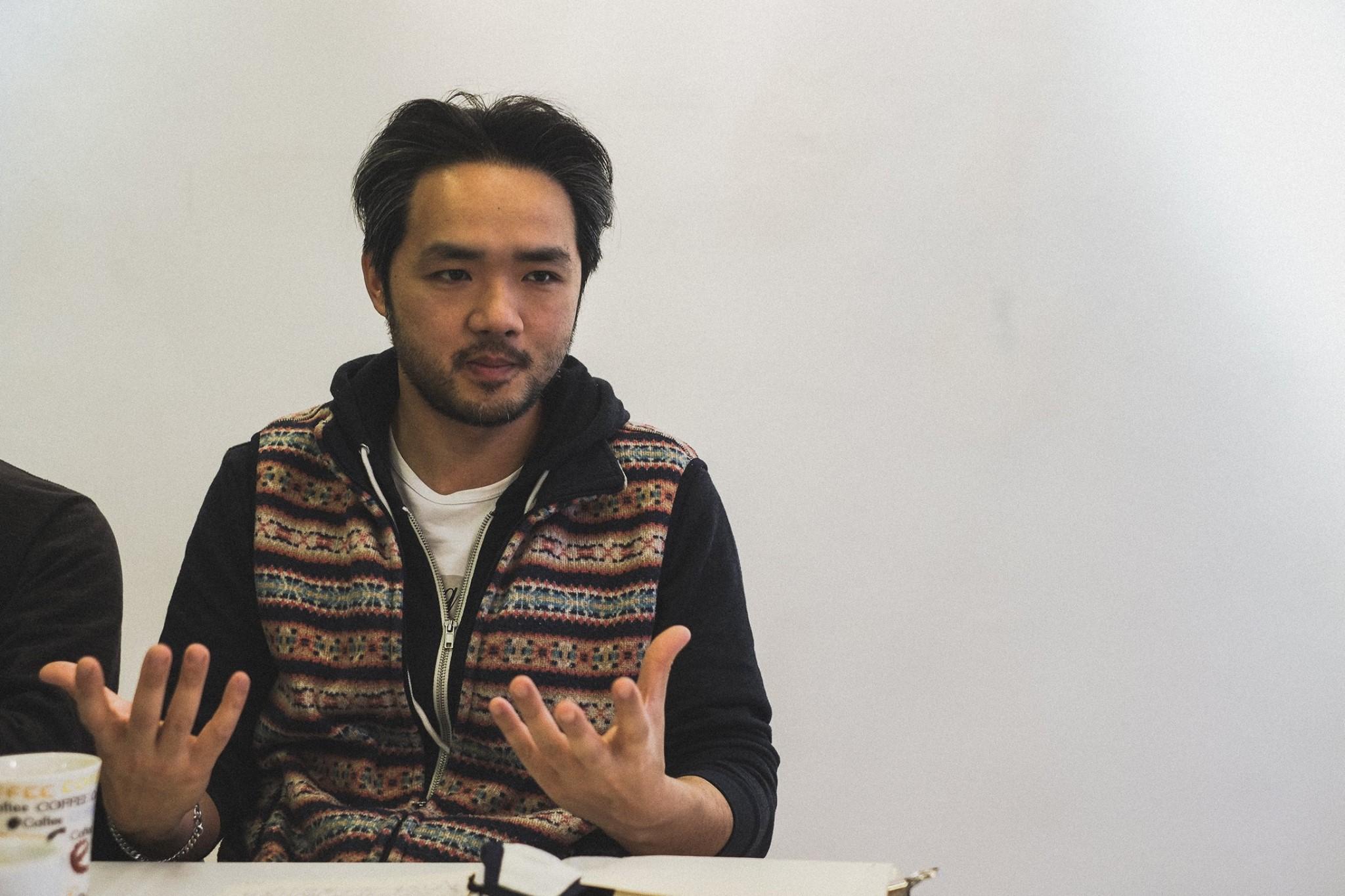 Luciano Ho, o escritor e performer que fala do cansaço extremo dos professores