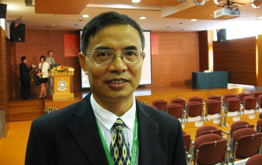 """Zheng Zhonglu, professor do Instituto Politécnico de Macau: """"Macau está a ficar para trás"""""""