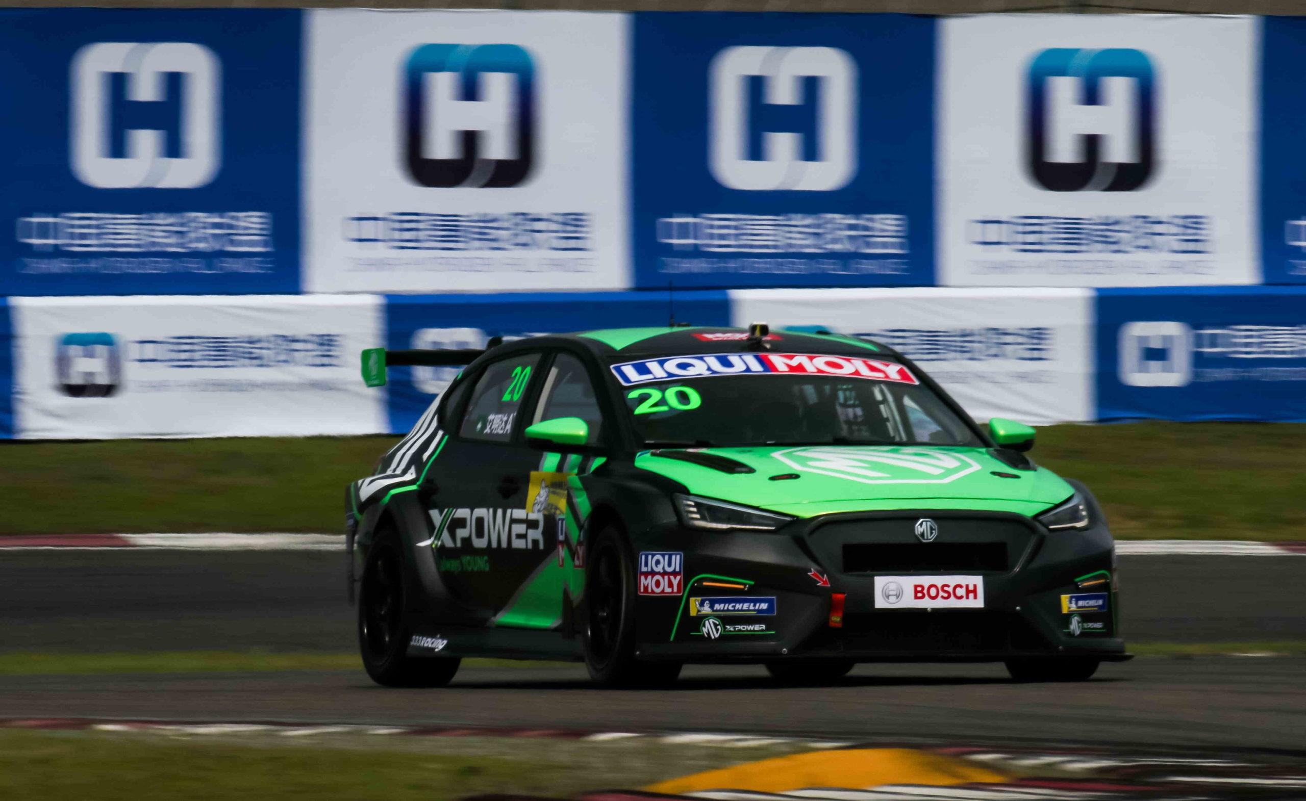 Automobilismo   Ávila conquista primeiro pódio no Campeonato TCR China
