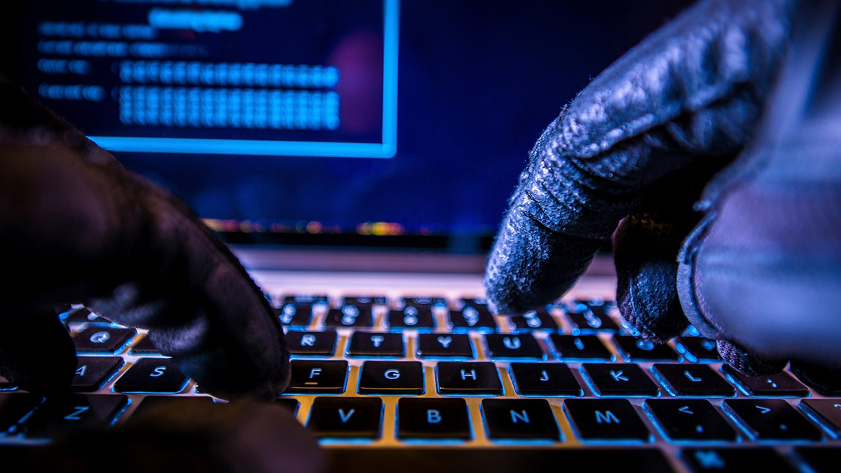 """China considera """"infundadas"""" acusações sobre ciberataques"""