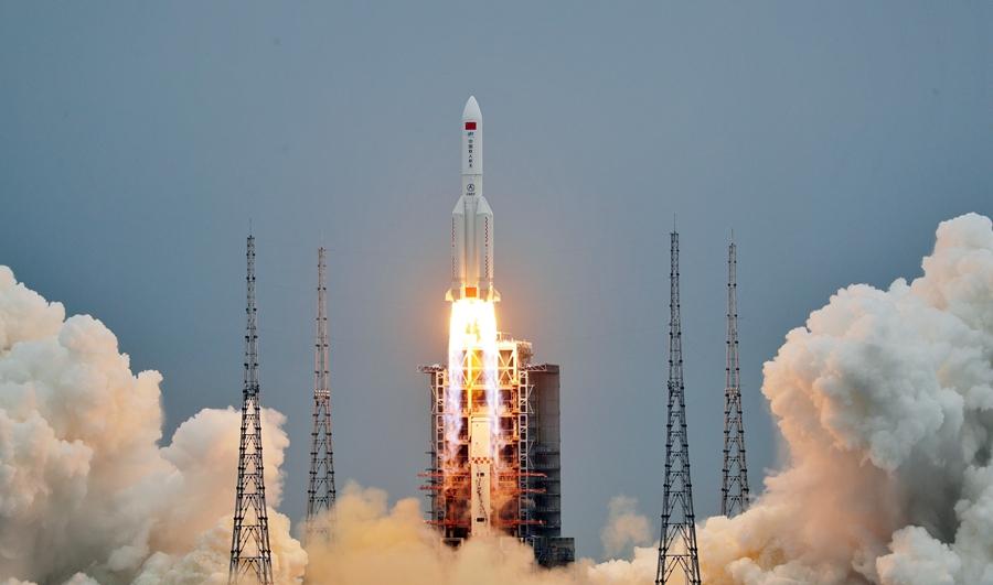 Maior parte do foguetão chinês desintegra-se no regresso à Terra