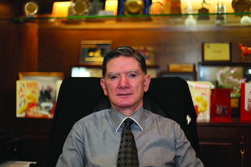 """Francisco Manhão, presidente da APOMAC: """"Governo deve construir casas para funcionários e pensionistas"""""""