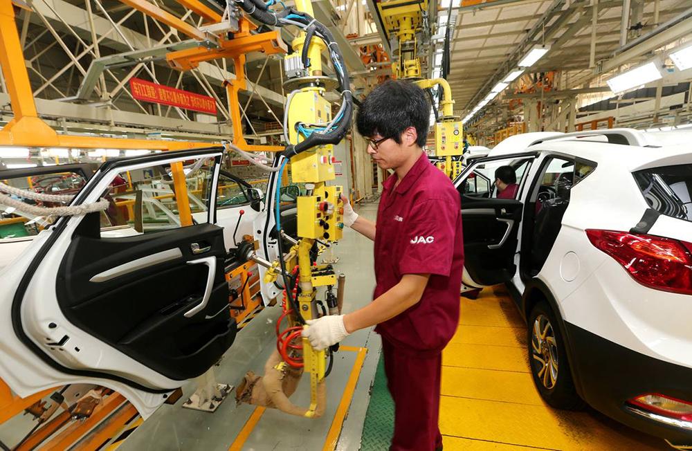 Vendas de automóveis na China sobem 27 por cento