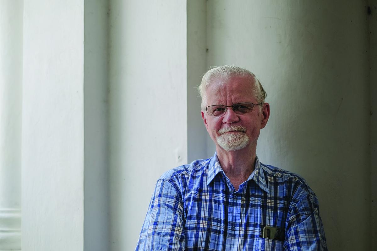 """Paul Van Dyke, historiador: """"As casas de penhores serviam toda a gente"""""""