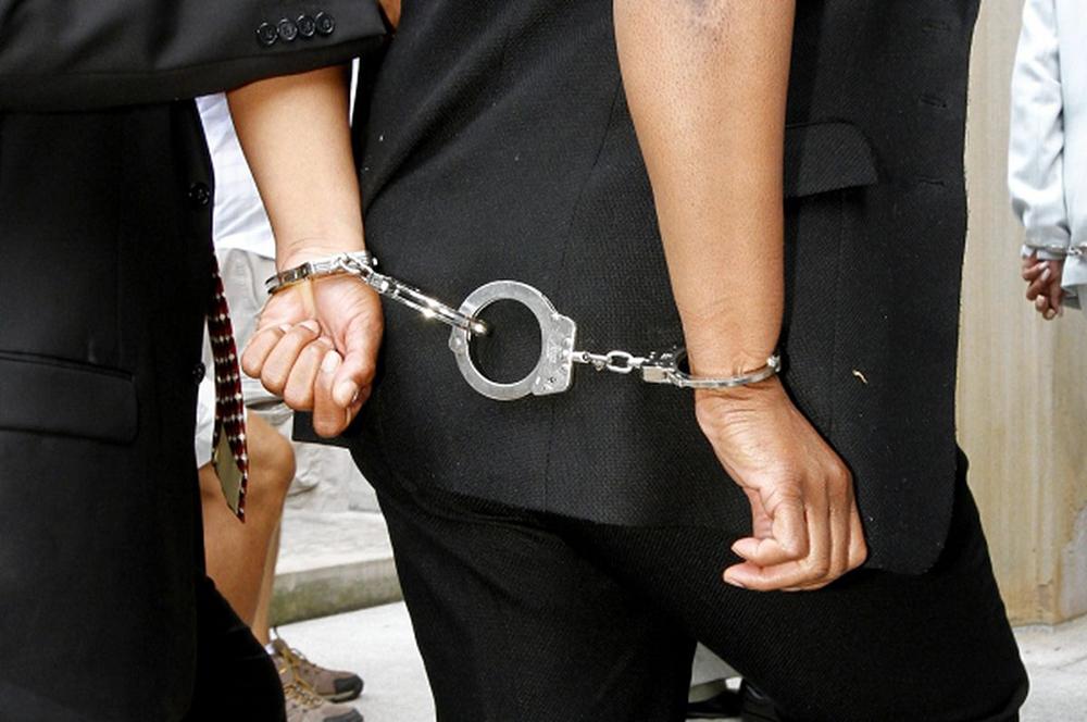 "Líderes estudantis de Hong Kong detidos por ""defenderem terrorismo"""