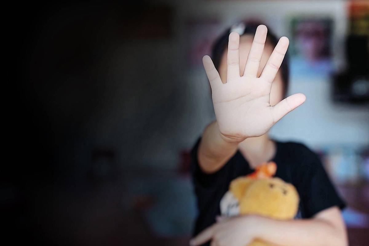Crime | Mulher detida e acusada de agredir a filha de dois anos