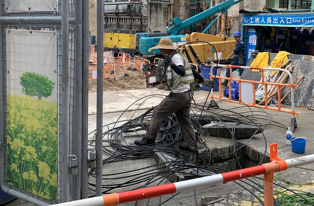 CTM   Escavação destrói ligações e causa apagão na Zona Central