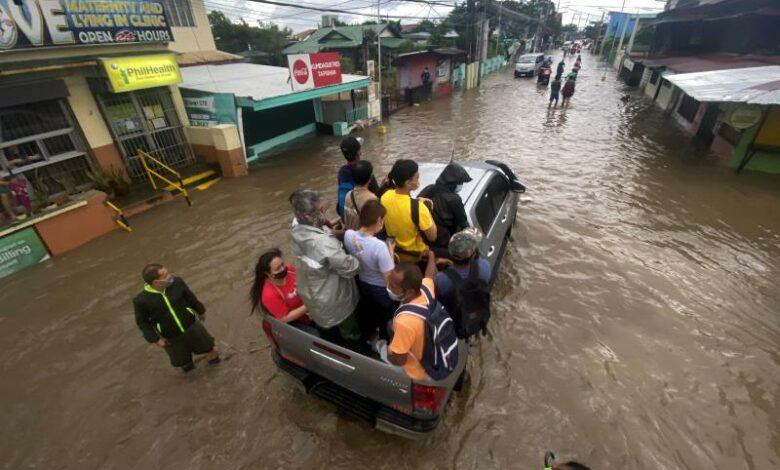 Filipinas elevam para 17 número de mortos causados pela passagem do tufão Conson