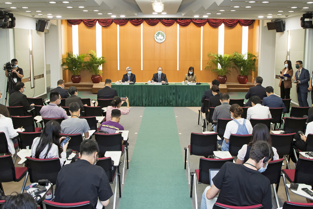 Ho Iat Seng | Elevada taxa de vacinação não garante abertura de fronteiras