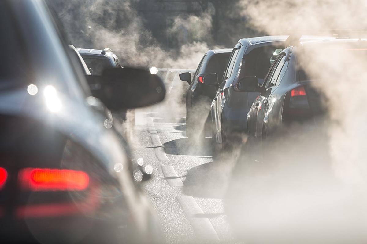 Plano quinquenal | Especialistas destacam política sobre veículos eléctricos