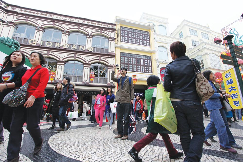 Turismo | Número de visitantes cai quase para metade em Agosto