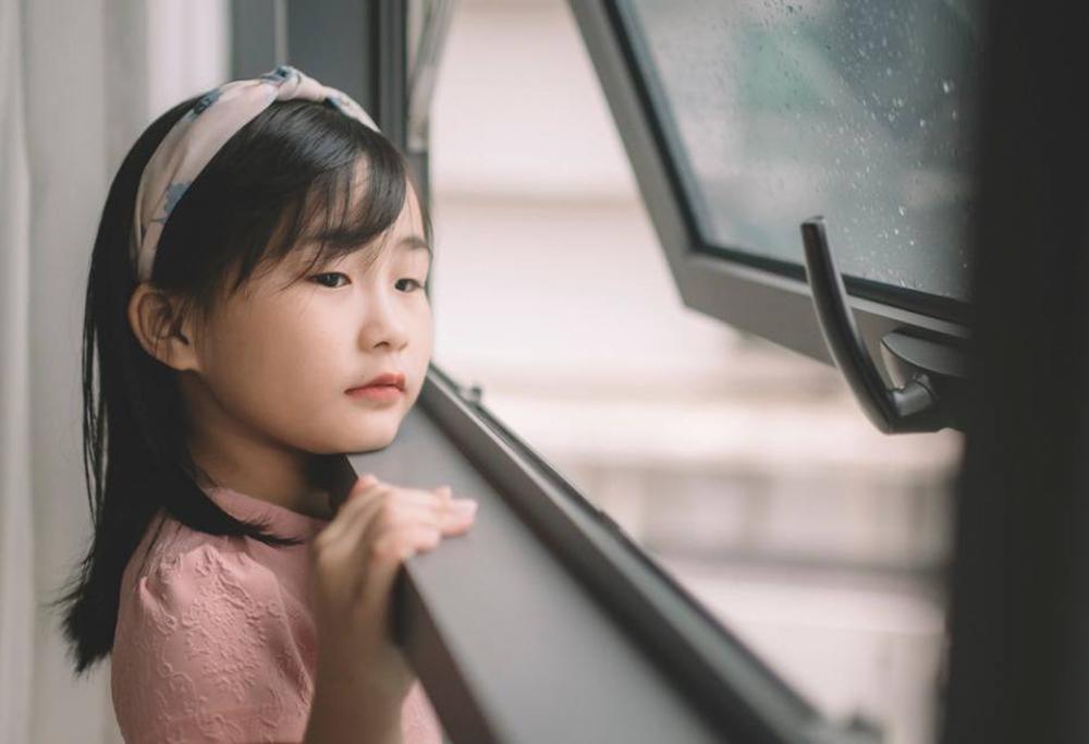 Restrições deixam menina de 11 anos sozinha em Zhuhai